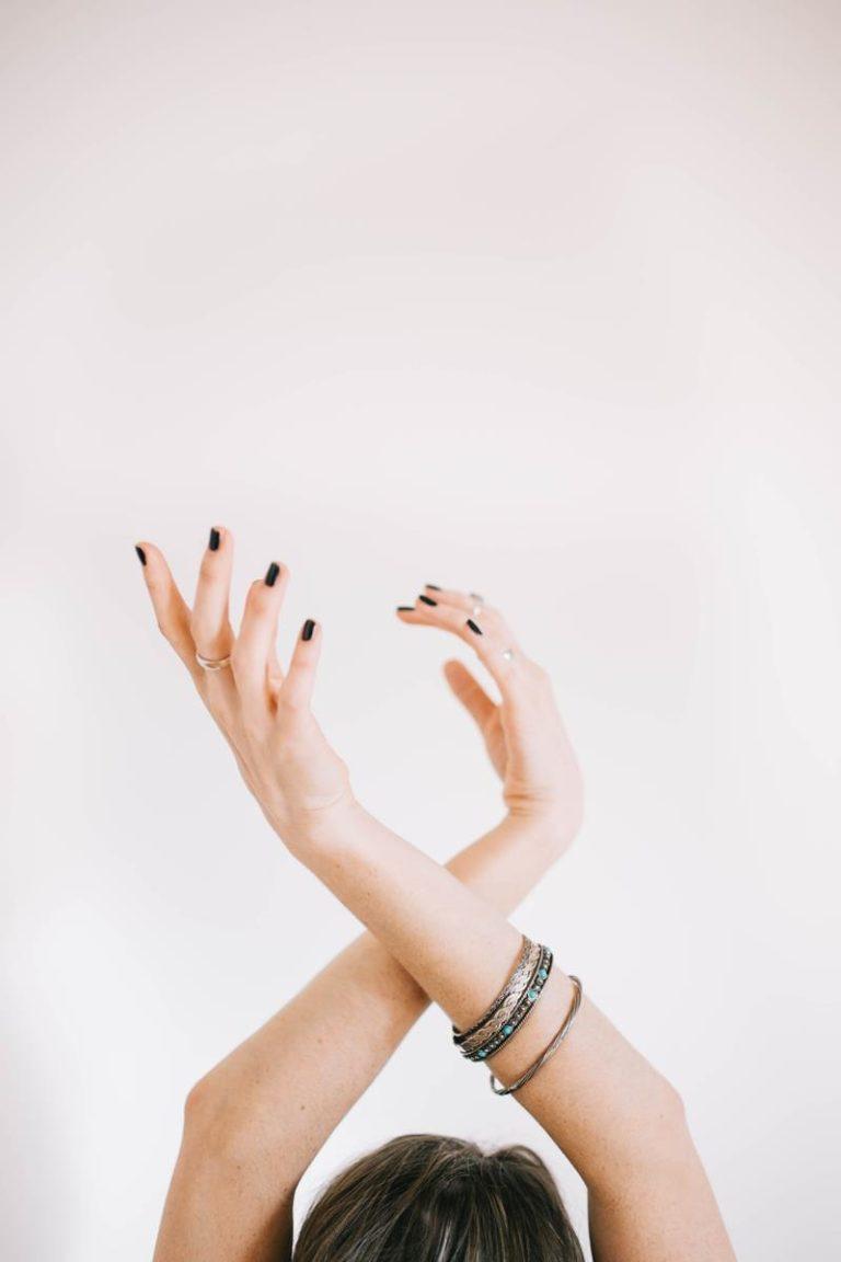 Ciesz się ze swoich przepięknych paznokci
