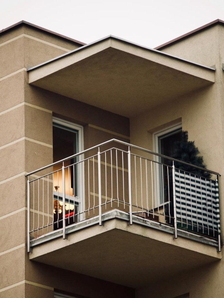 Dopasowane do balkonu osłony
