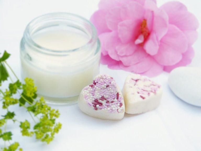 Bezpieczne kosmetyki ziołowe dla każdego rodzaju skóry